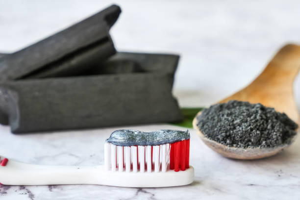 ενεργό άνθρακα, οδοντόβουρτσα