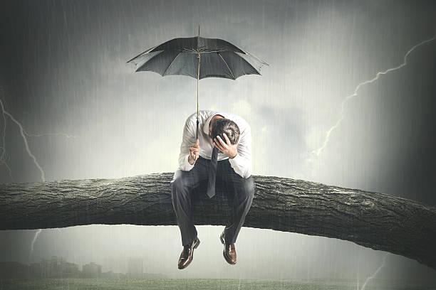 κακός καιρός, άνθρωπος με ομπρέλα