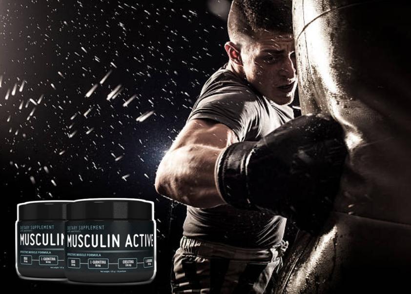 μυώδης ενεργός άνδρας πυγμαχία